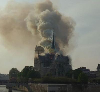 FRancia - incendio en Catedral Notre Dame de Paris - Foto Instagram - abril 15 2019