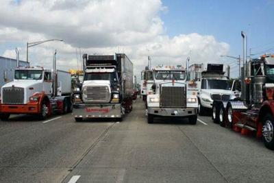 Se apuntan una los camioneros… Tras reclamos en contra de CSP logran reunión en el Senado