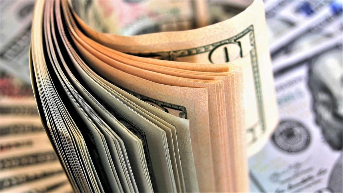 Dinero - billetes - Foto via Cybernews - junio 19 2020