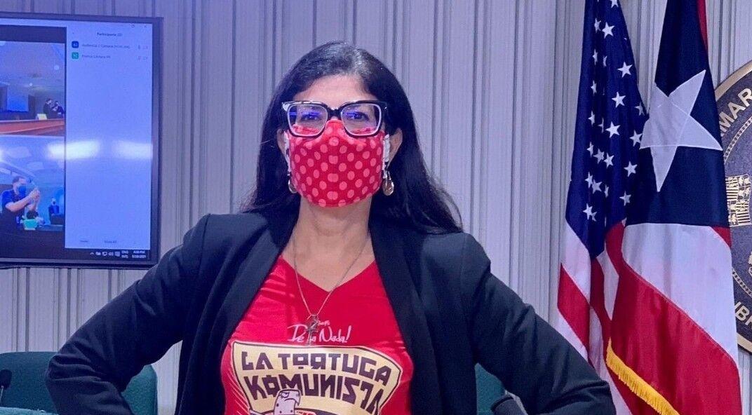Mariana Nogales - camisa de la tortuga comunista - septiembre 14 2021