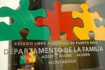 Secretaria del Departamento de la Familia visita menor con desnutrición