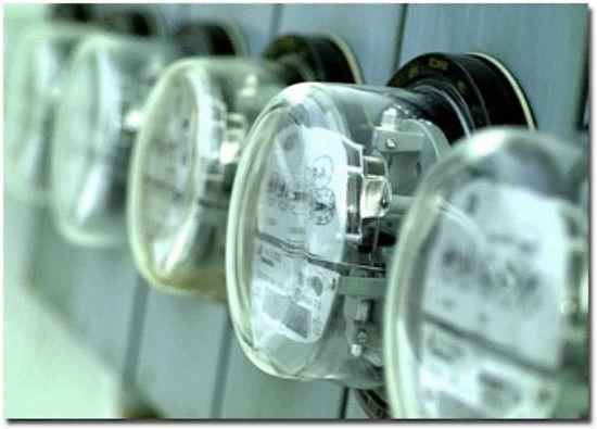 Prohíben a la AEE cobrar el consumo de energía que no hayan generado