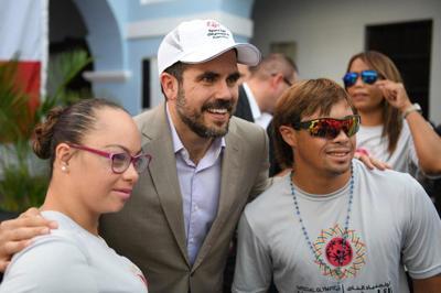 Gobernador abandera delegación de Puerto Rico rumbo a las Olimpiadas Especiales