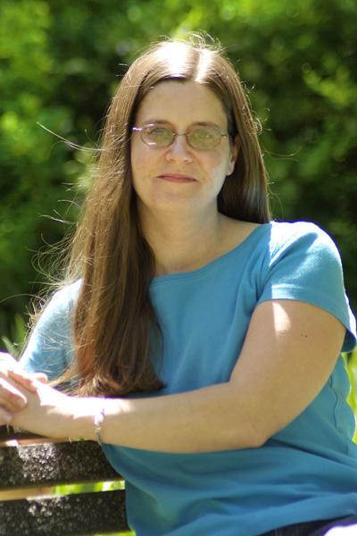 Melanie MacKinnon headshot