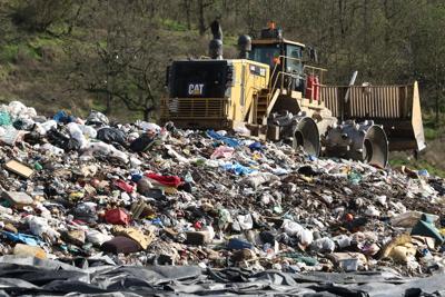 161030-ns-ot16-garbage
