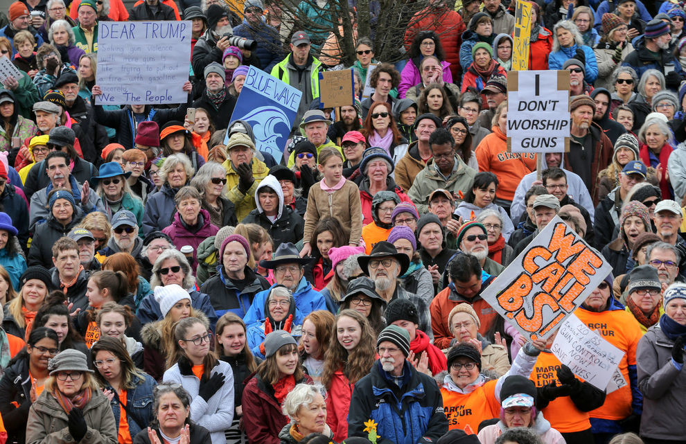 Thousands rally in downtown Eugene to protest gun violence