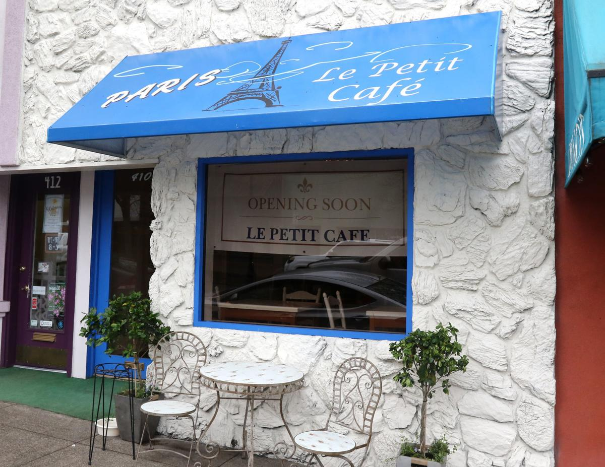 180415-nrr-biz-lepetitcafe-02