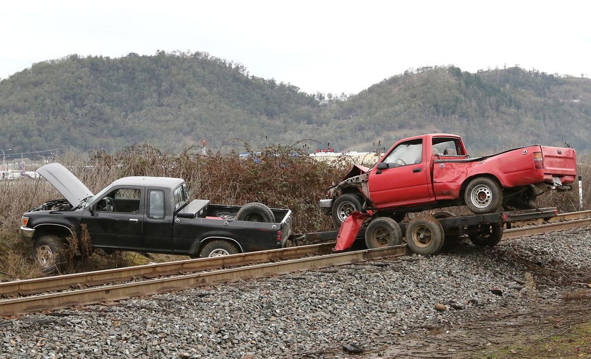 210106-nrr-trucksontracks-02