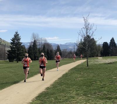 Roseburg xc runners