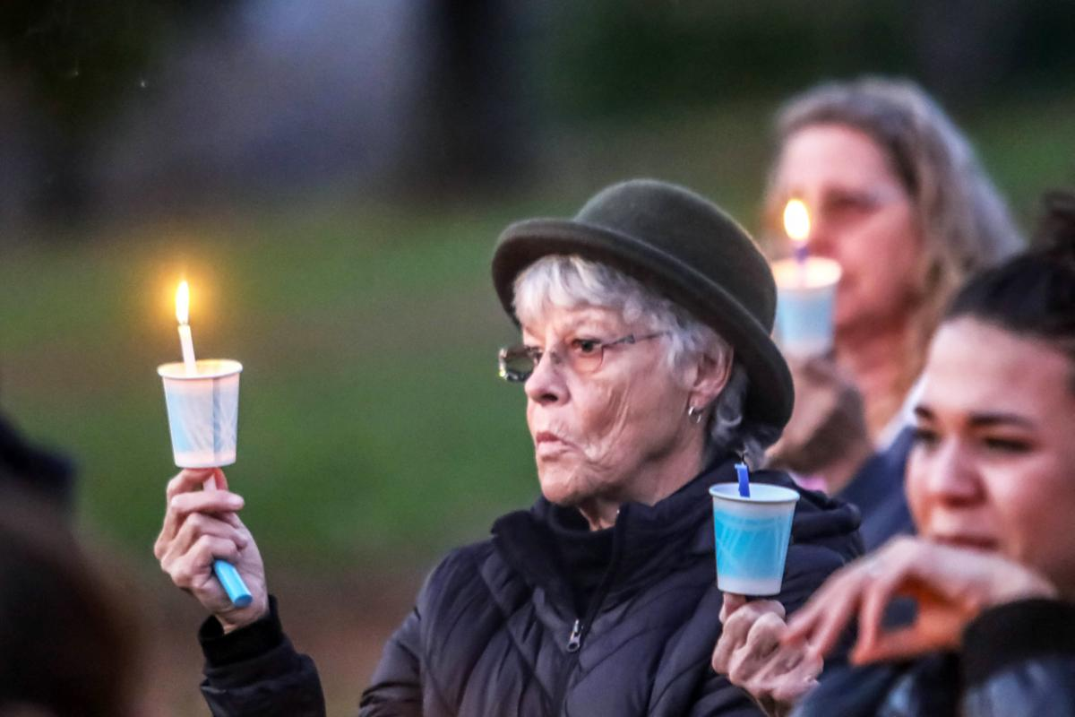 191119-nrr-candlelightvigil-05