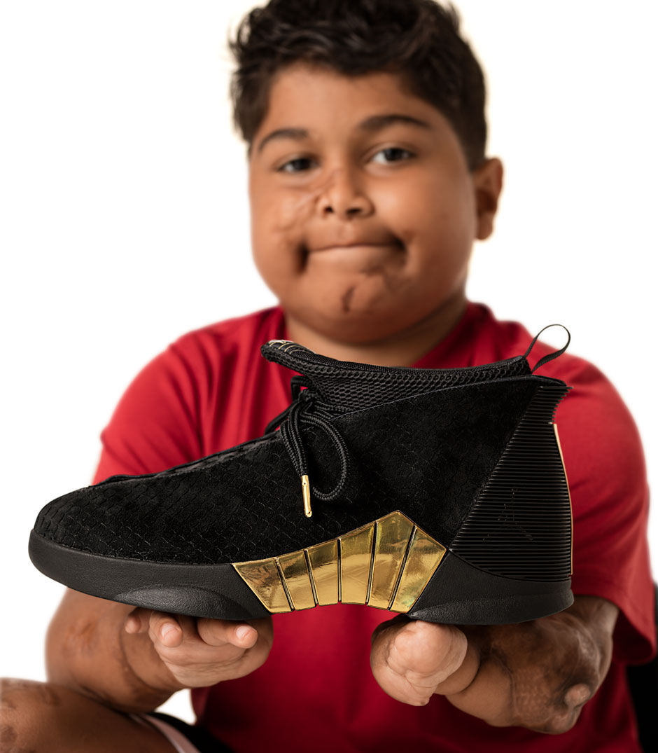5f71e2af952561 Riddle boy designs Nike shoe to benefit Doernbecher Children s ...