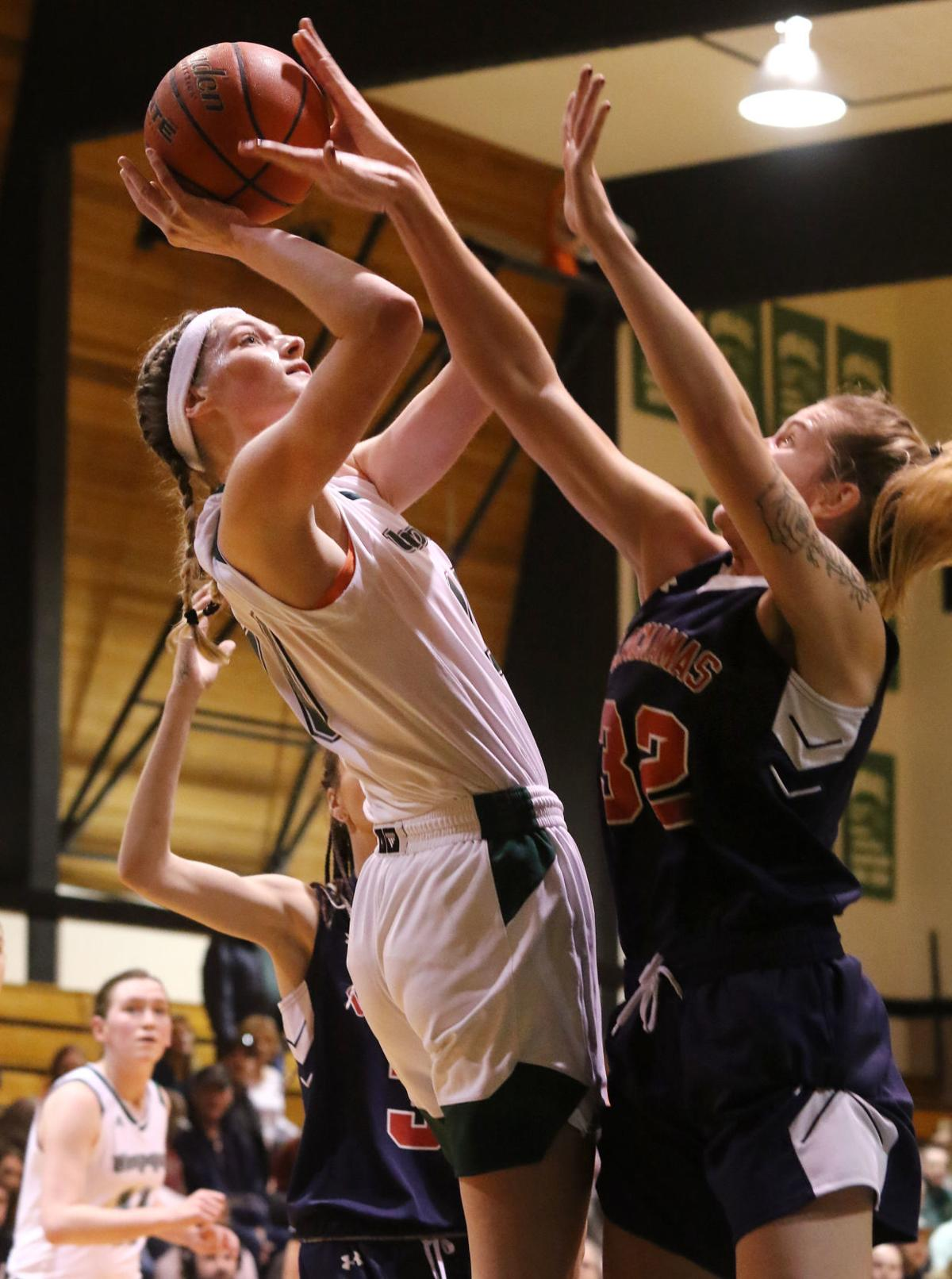 College Women's Basketball: Umpqua wins big against Clackamas, 82-52