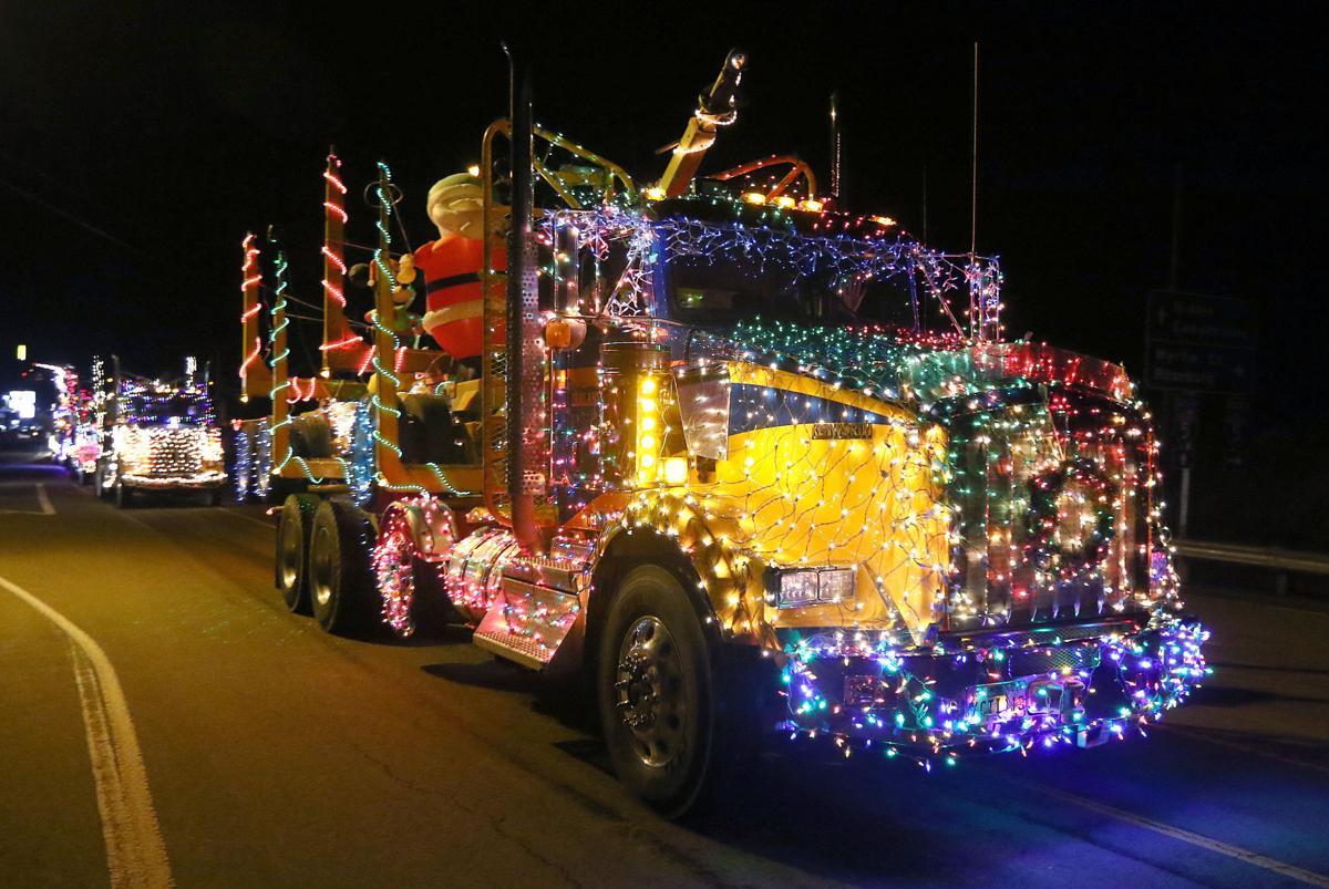 201215-nrr-truckparade-07