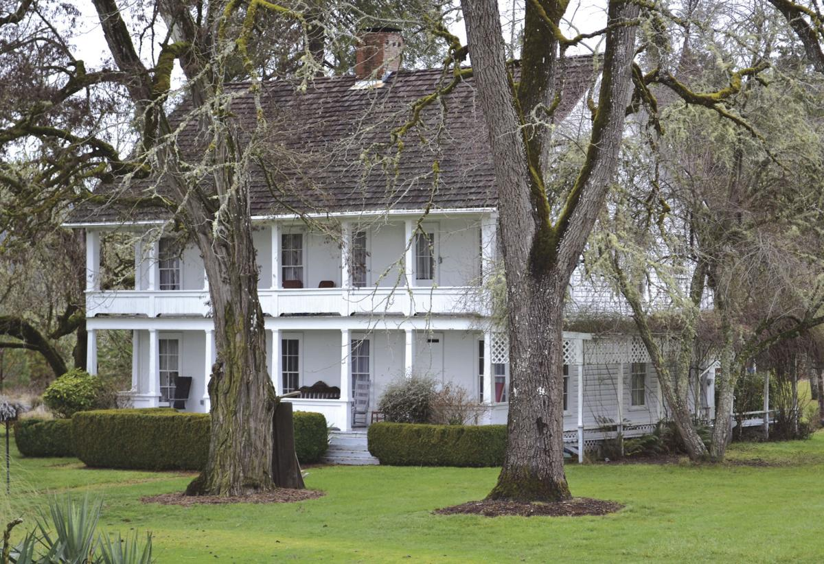 Yoncalla 39 s applegate house is oldest house in oregon for Applegate house