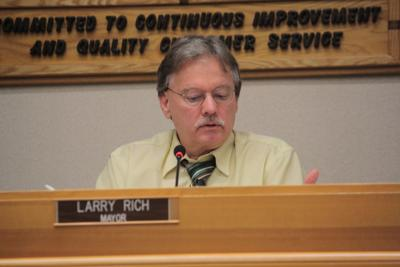 Roseburg Mayor Larry Rich