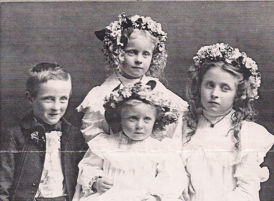 Walter, Hazel, Ruth, and Eva.jpg