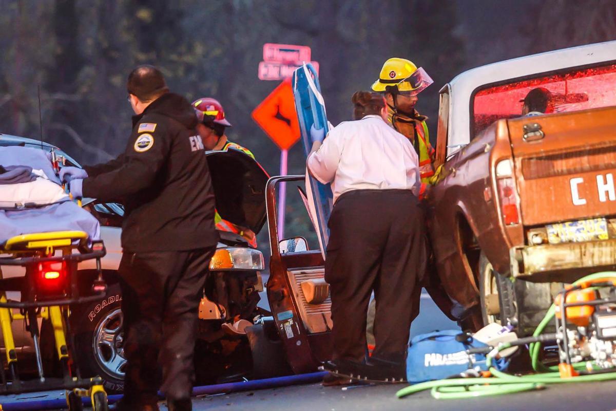 two car accident injures three roseburg nrtoday com