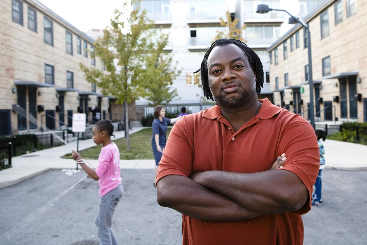 """Review: """"70 Acres in Chicago"""" discusses housing segregation"""