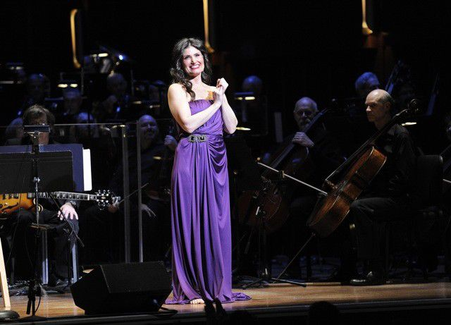 Review: Idina Menzel with the ISO