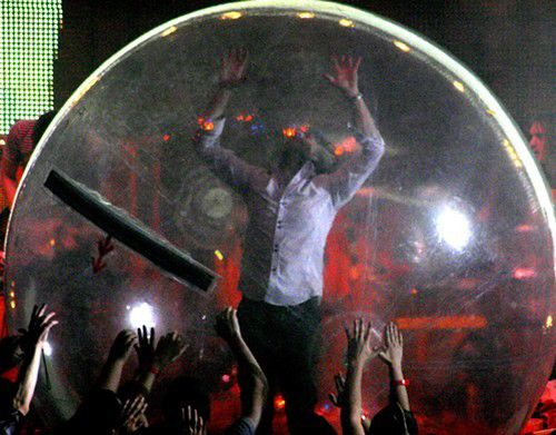 Flaming Lips confuse Little 500 Crowd