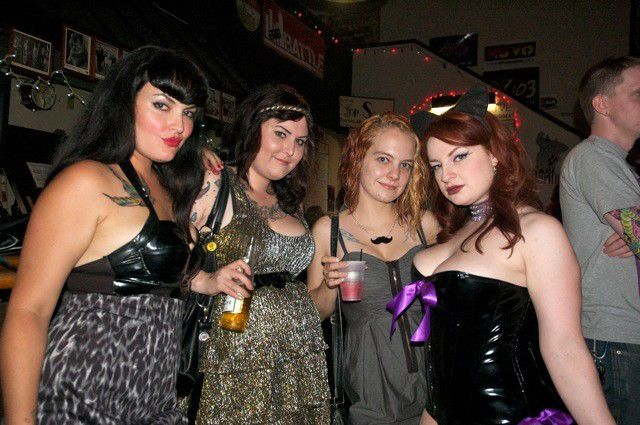 Photo gallery: Dr. Sketchy's at Birdy's