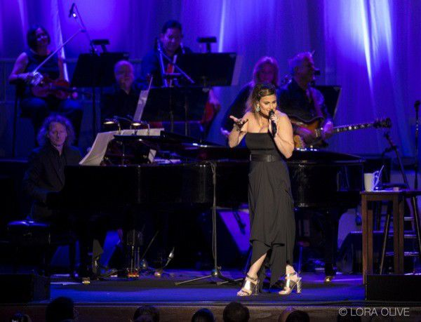 Slideshow: Idina Menzel at the Murat Theatre at Old National Centre