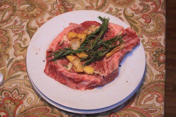 NUVO Test Kitchen: Restaurant-style Steak