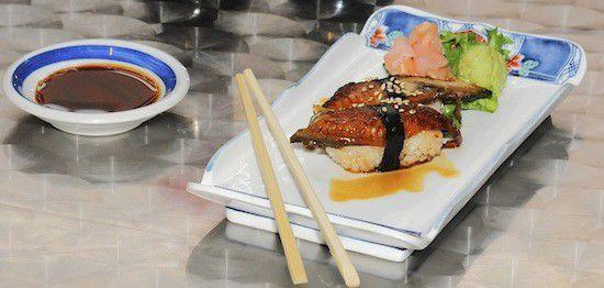 Wild Ginger: Fresh sushi, good wine