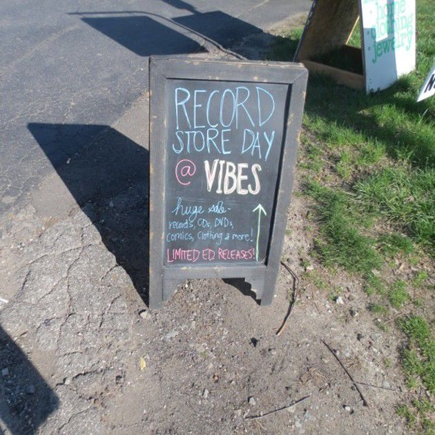 Record Store Day 2014 at Vibes (Slideshow)