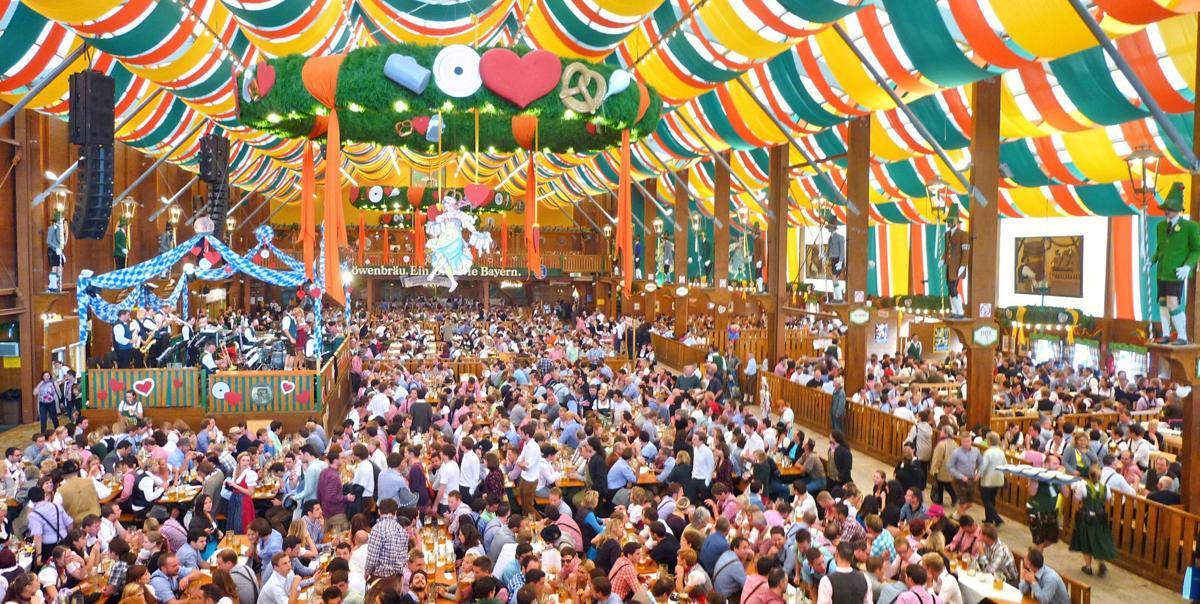 München,_Schützen-Festzelt,_Oktoberfest_2012_(01).jpg