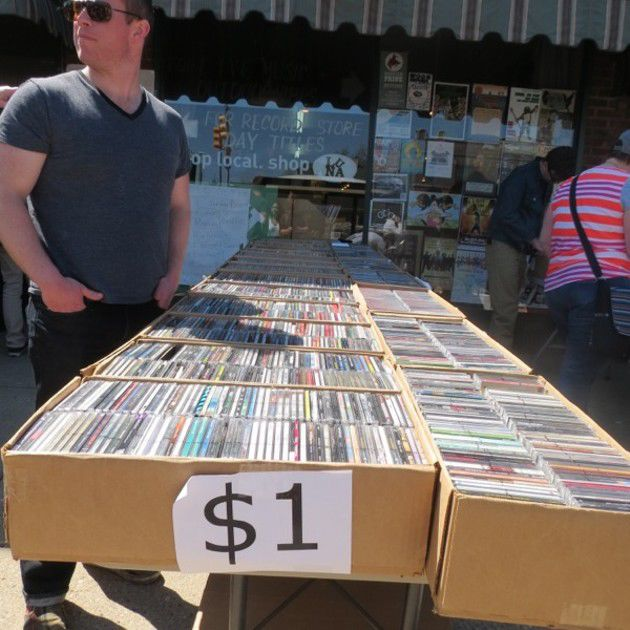Record Store Day 2014 at LUNA (Slideshow)