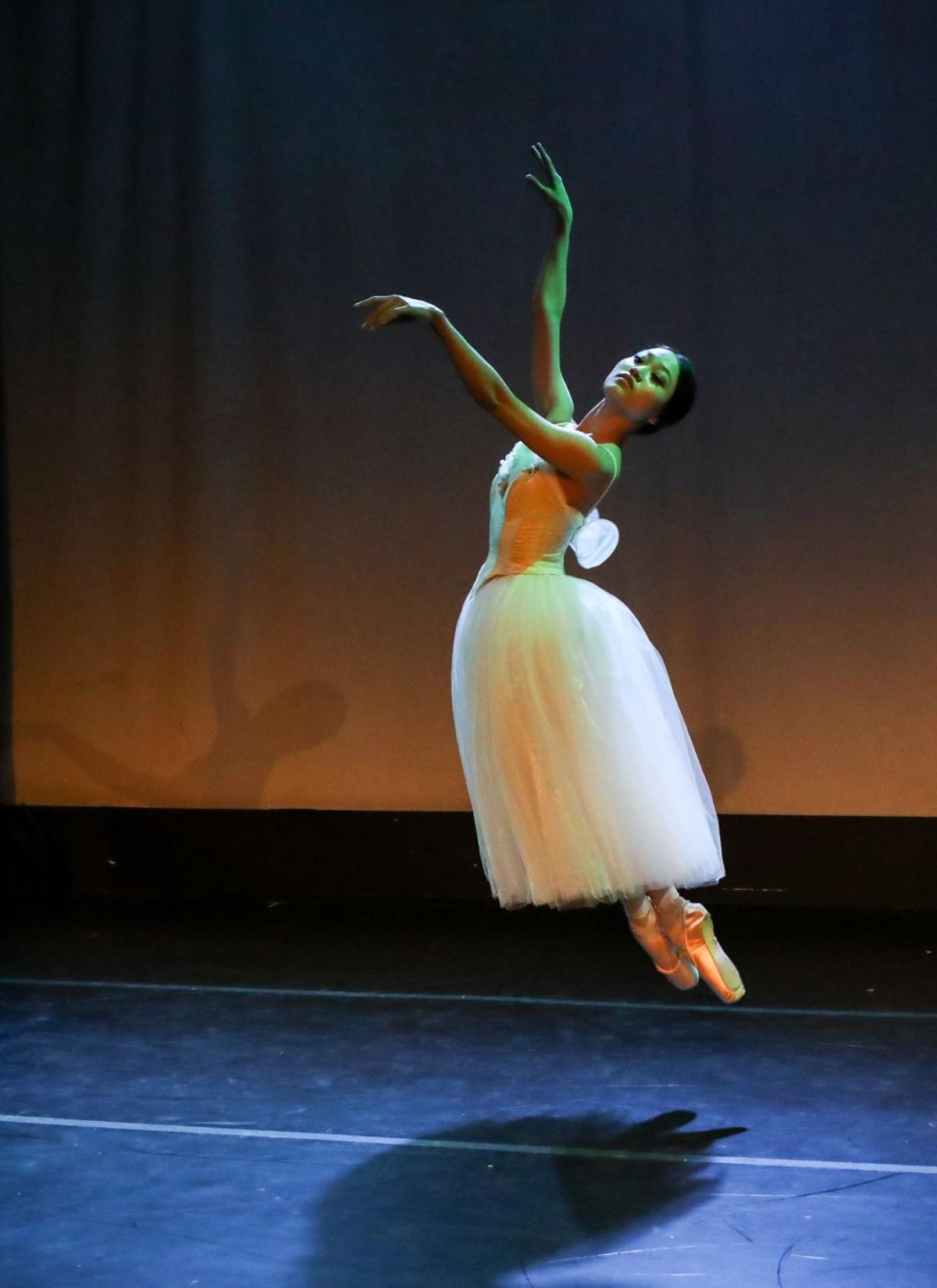 """Yoshiko Kamikusa """"Giselle Pas de Deux"""" Choreography by Jean Corelli"""