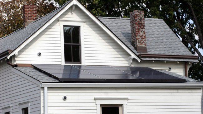 Bill that riles solar industry passes House committee