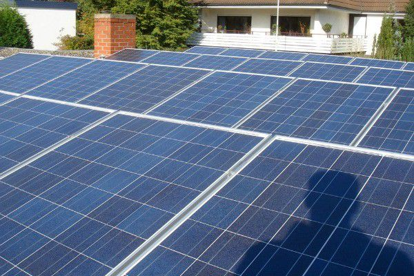New Indiana solar projects save costs, connect communities