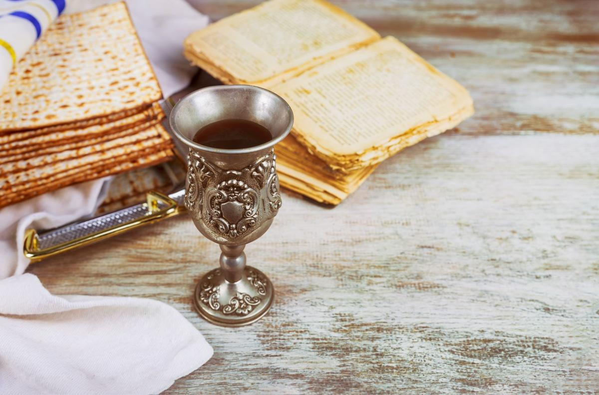 sedar wine and matzoh