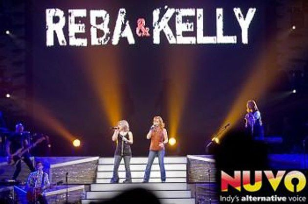 Reba McEntire and Kelly Clarkson -