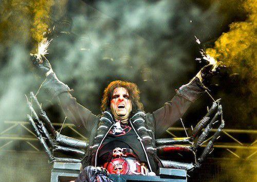 Review: Iron Maiden, Alice Cooper