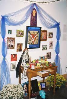 Honoring the dead, El Dia de los Muertos-style