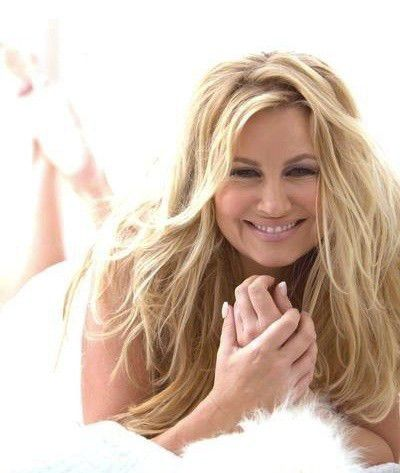 Jennifer Coolidge: Joking on Hollywood