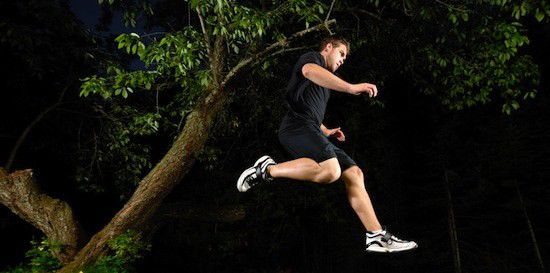 Trail runners marathon ... in the dark