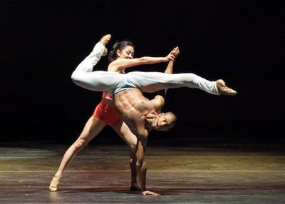 Review: Complexions Contemporary Ballet