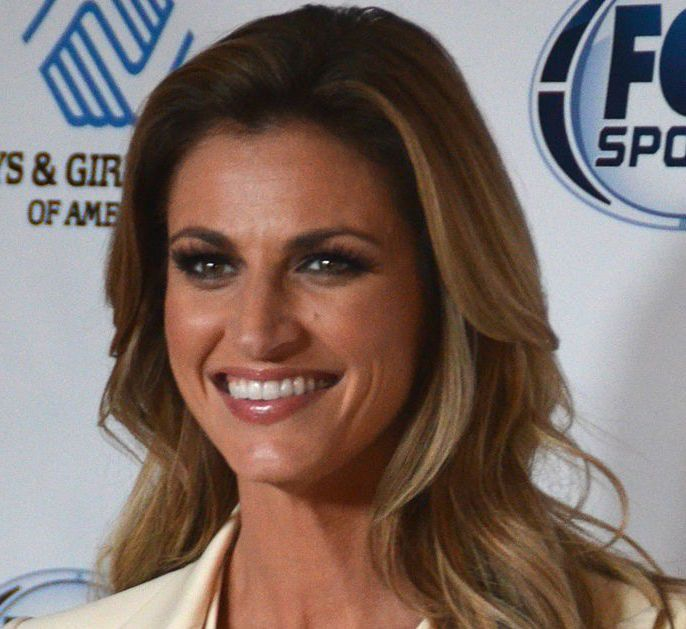 8 reasons Fox Sports Erin Andrews is due 17 million apologies