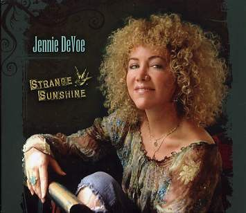 "Album review: Jennie DeVoe, ""Strange Sunshine"""