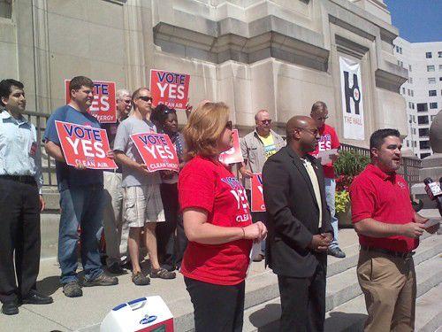 Groups celebrate no more coal at Harding St.