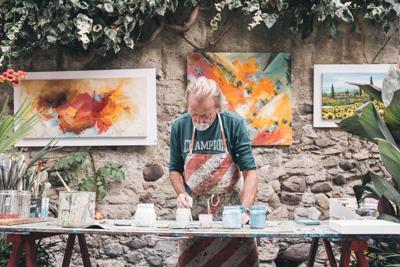 arts-painter-stock
