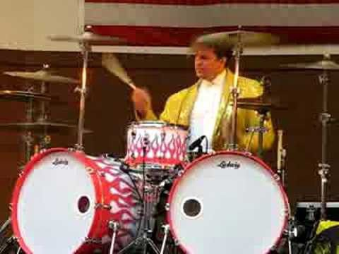 Bedazzled drummer on his way to Carmel