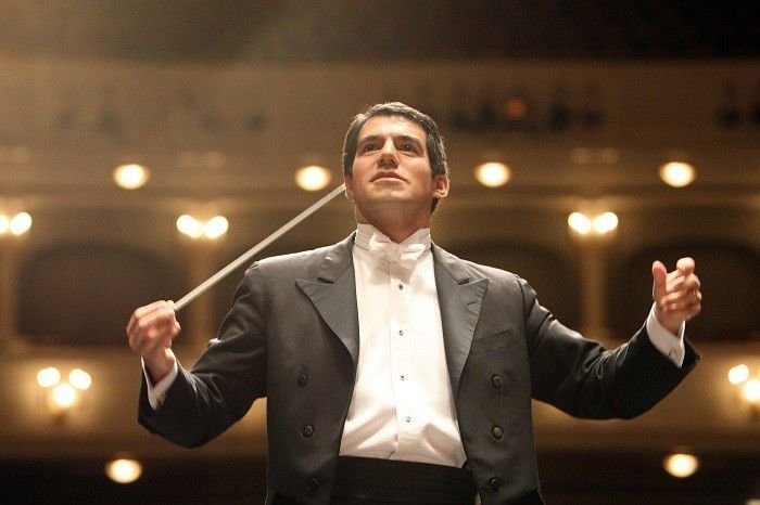 Review: ISO performs Ravel and Strauss