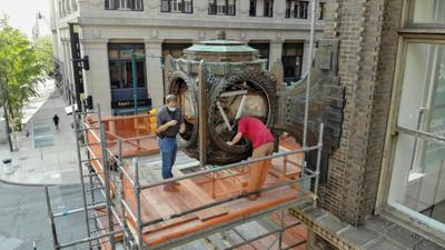 Clockwork Green: Time again is current for the L.S. Ayres clock