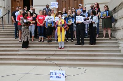 Faith leaders urge governor to support gun-control legislation