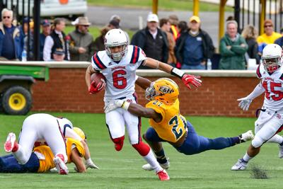 SU Football Notebook: Hornets still battling stretches of poor execution